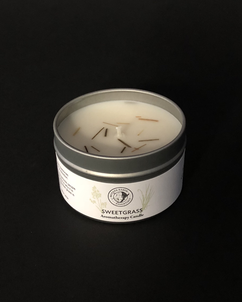 Sweetgrasss aromatherapy candle Natural wax candle with sweetgrass.
