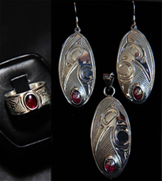 Earrings, Pendant & Ring<br /></noscript>Justin Rivard